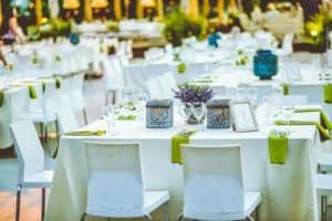 שולחן באירוע